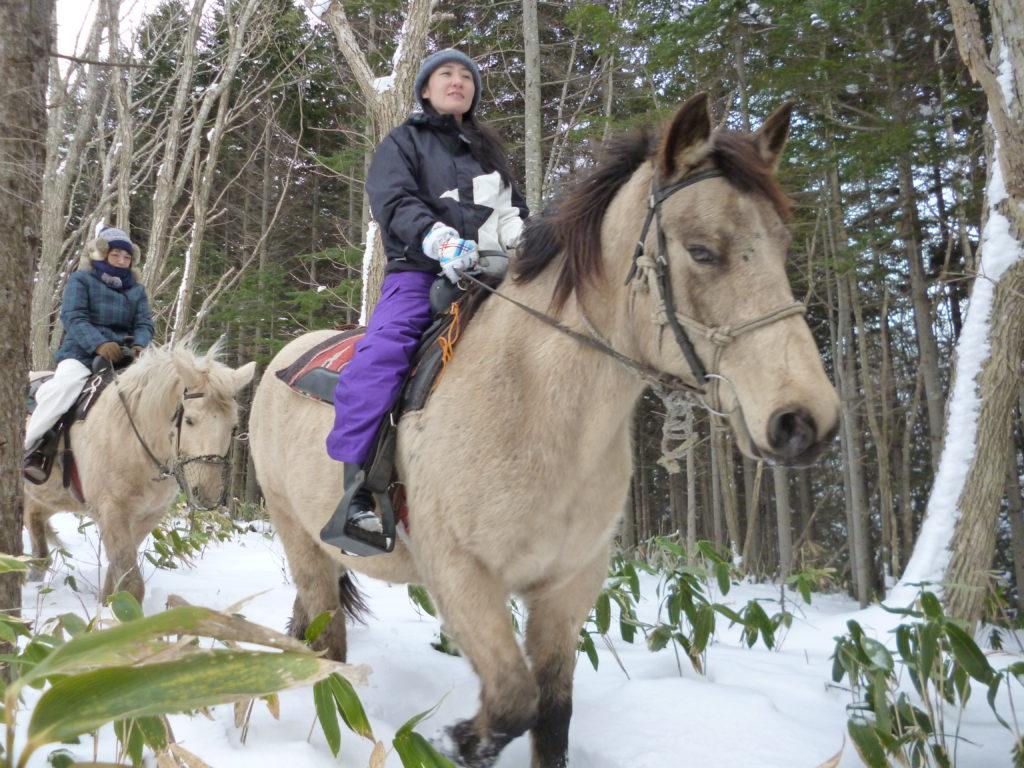 冬季間も乗馬体験実施